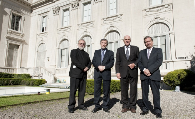 Blanco, Ceccatto, Belluci y Barañao en la sede de la Academia Nacional de Bellas Artes